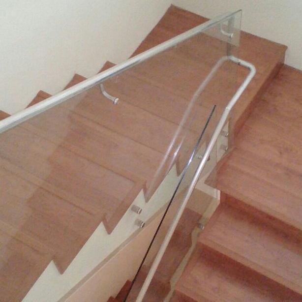 Vinyl Plank Untuk Interior Tangga